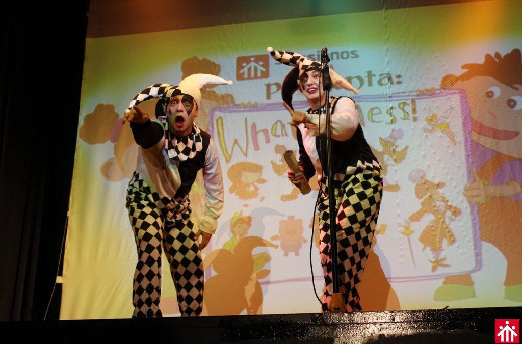 """Teatro de familias para el día de Europa """"What a mess!"""""""