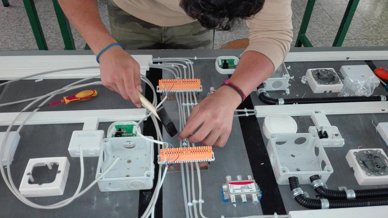 ¿Qué hacemos en el módulo profesional de Instalaciones de Telecomunicaciones en FPB?