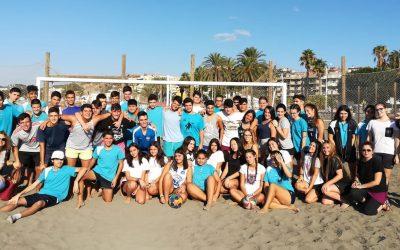 Actividades deportivas en la playa con nuestros alumnos de 4º de ESO