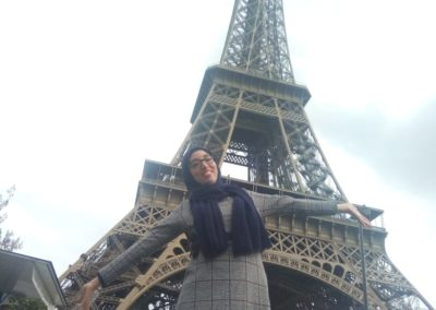 torre eiffel entera