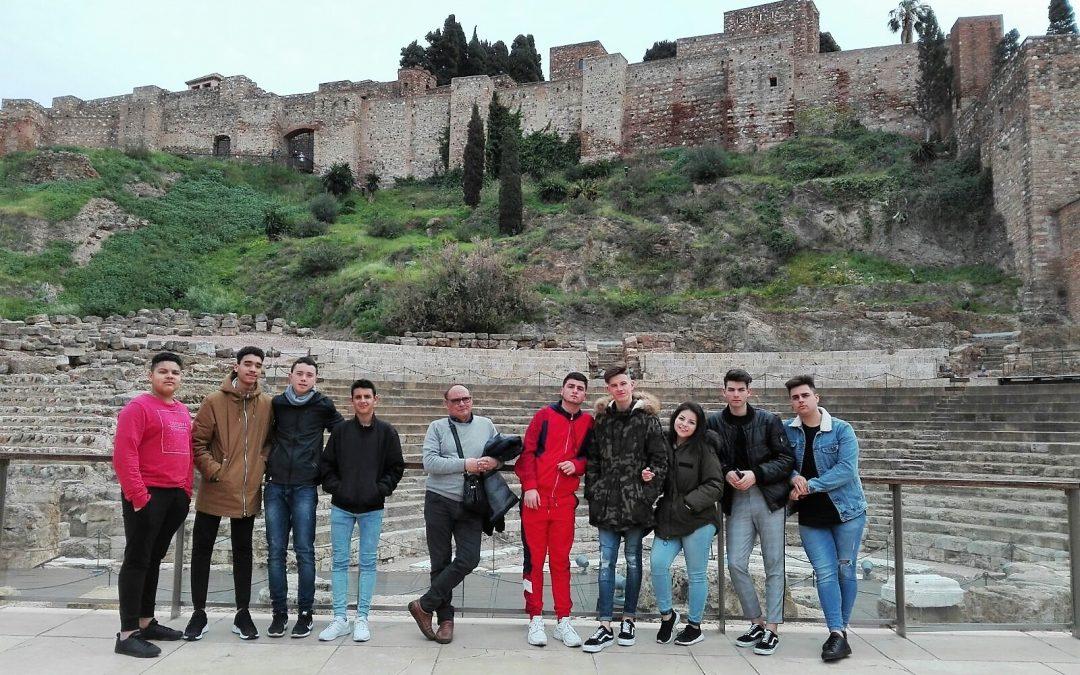 Primer curso de Formación Profesional Básica visita la Alcazaba