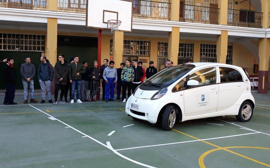 Salesianos Málaga se sube al futuro de la movilidad eléctrica